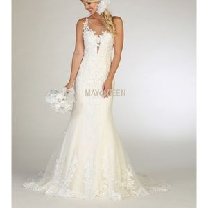 Fitted wedding gown. Formal bridal dress